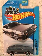 Hot Wheels HW CITY  81' Delorean DMC -12 /1:64 Die Cast NEW