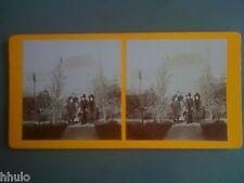 STC025 Portrait de famille avec chien jardin maison stereoview photo STEREO