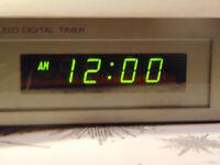 VINTAGE MAGNAVOX AUDIO DIGITAL TIMER! CLOCK! 4 OUTLETS! EASY TO USE! WORKS!