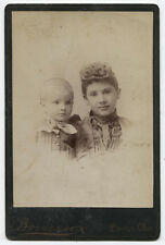 CABINET CARD VERY YOUNG MOTHER WITH CURLY TOP HAIR DO WITH CHILD. DAYTON, OHIO.