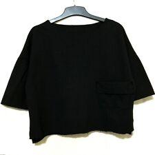 Black minimalist top with pocket
