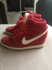Nike Lady Heel Size 6 UK Red