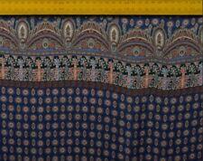 Reine Seide Blau mit schönem Vintage Muster, 1 Meter, 135 cm breit, Meterware