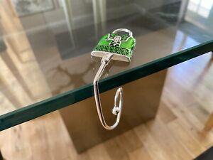 CAPIZ GORGEOUS WOMENS GREEN LACQUERED DESIGNER HANDBAG CHROME TABLE HOOK HOLDER
