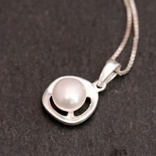 "18 - 19.99"" Sterling Silver Fine Pearl Necklaces & Pendants"