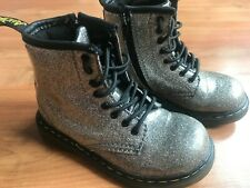 Girls / Infant SILVER GLITTER DR MARTENS BOOTS (uk7.5) *NICE COND*