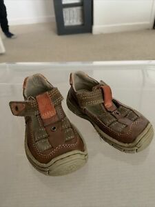 Toddlers Sandals, Size 4 (infant)