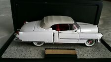 FRANKLIN MINT 1953 Cadillac Eldorado Convertible in Display Case White/Red 1:24