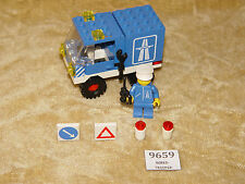 LEGO Sets: Classic Town: Traffic: 6653-1 Highway Emergency Van (1982) 100%