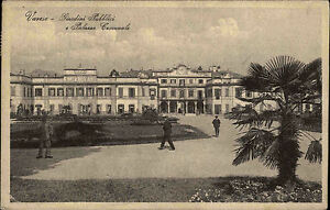 Varese Italien s/w AK 1928 Giardini Pubblici e Palazzo Comunale mit Briefmarke