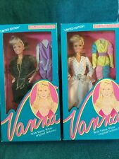 Hsc Set Of 2 Vanna White Dolls With Fashions Nib Nrfb Black/Gold White
