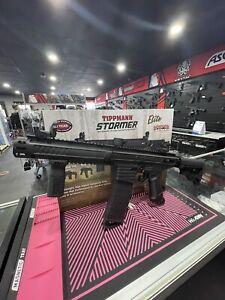TIPPMANN STORMER ELITE DUAL FED PAINTBALL GUN - BLACK