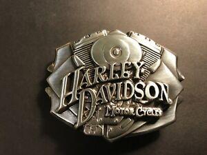 Harley-Davidson mens collectable Engine belt buckle.#97784-08V.Silver plaited.