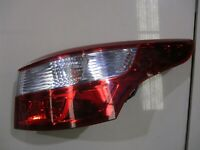 GENUINE 2011 Renualt Latitude 11-14 LuxeX43 2.0L, RIGHT TAIL LIGHT