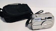 Fuji FujiFilm FinePix 2600 Zoom Digital Camera 2 Megapixels, 3x Zoom Lens