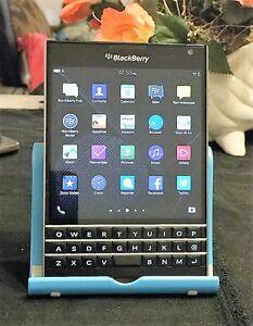 BlackBerry Passport - 32GB - Black (Unlocked) +-ON SALE- MINT CONDITION !!