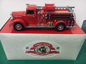 First Gear Mack L Model Pumper DETROIT Fire Dept. Fire Truck 1:34 in box