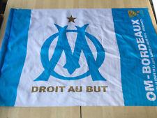 DRAPEAU OM donné à l'occasion finale Coupe de la Ligue contre Bordeaux 2010