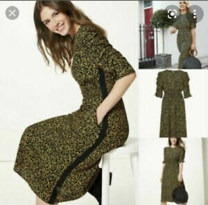 Marks and Spencer Holly willoughby Size 20 Dress