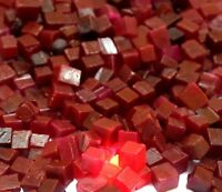 Roter Rubin Edelstein Raues Los Afrikanische 150 Karat Natürliche Würfelform