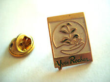 PINS YVES ROCHER PRODUIT COSMETIQUE BEAUTE MAQUILLAGE