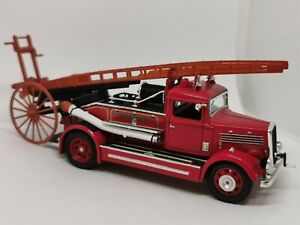 Signature séries - 1/43 - 1938 Dennis Light Four - fire truck - pompier
