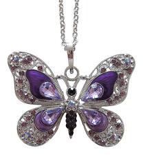 Collier, pendentif motif papillon violet dominant cristal autrichien et acier.