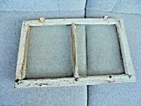 Altes Fenster Holz Sprossenfenster Rahmen Bilderrahmen Biedermeier 52 x 33 x 2,5