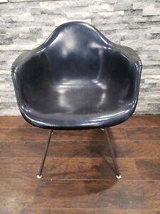 Herman Miller mid century fiberglass  shell chair. Rare blue. Original legs