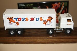 Toys r us vintage toy metal truck and trailer ertl collectable