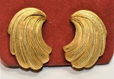Gestempelt Trifari Goldfarbig Texturiert Moderne Form Ohrstecker