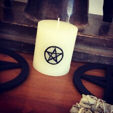 Bougie blanche gravée pentacle de protection wicca witch rituel magie