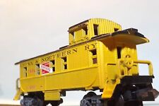N-Scale Custom Painted  LAONA & NORTHERN #C-401 caboose