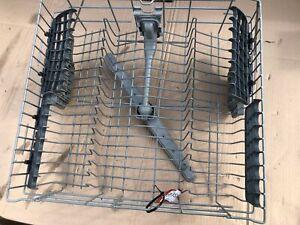 Beko Dishwasher DFSN1534B upper basket with spray arm
