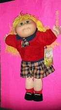 CABBAGE PATCH KID DOLL  TRU DOLLS  2002 girl blond crimp yarn hair