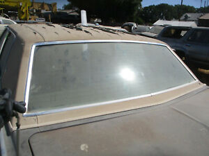 REAR WINDOW GLASS LINCOLN CONTINENTAL TOWN CAR 4DR  77 78 79