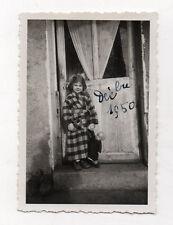 PHOTO ANCIENNE Enfant Petite Fille Poupée Poupon Jouet Jeu 1950 N&B