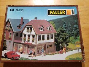 Faller B-258 H0 Delicatessen Shop - Building Kit - unbuilt not used