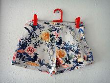 Shorts de tiro alto flores Pull&Bear // Pull&Bear floral high-waisted shorts
