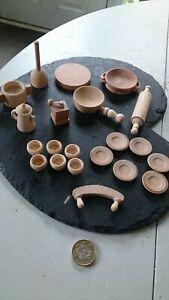 Doll's house kitchen equipment. 21 Wooden pieces. Kitchenalia.