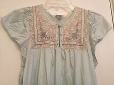 JC Penneys Sleepwear Floral embroidered Nightgown Sz S/M VINTAGE silky blue MWAC
