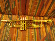 Xs Trompete (goldfarben) mit Mundstück und Hartschalenkoffer - guter Zustand