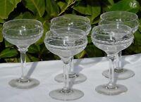 Val Saint Lambert? Lot de 5 coupes à champagne en cristal taillé.