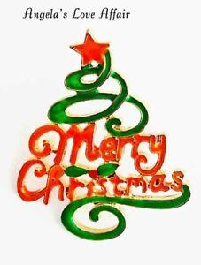 CHRISTMASY GOLD RED & GREEN ENAMEL XMAS MERRY CHRISTMAS TREE BROOCH PIN BADGE