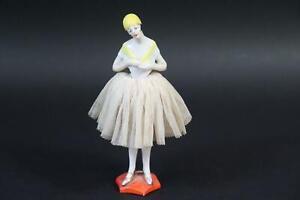 Art Deco Tänzerin Teepuppe bemalte Porzellanfigur Stoffkleid 1920er Jahre(CP578)