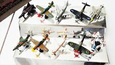 Lot de 10 petites maquettes d'avions