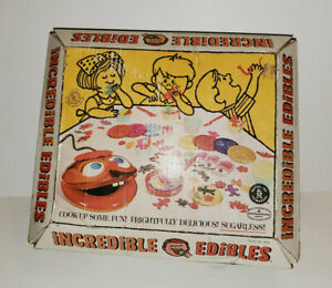 VINTAGE 1966 MATTEL INCREDIBLE EDIBLES MACHINE & MOLDS IN BOX INCOMPLETE AS-IS
