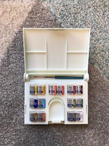 Winsor and Newton Cotman Watercolour Compact Set - 14 Half Pans