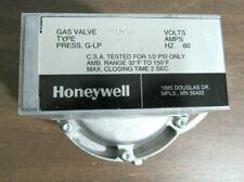 HONEYWELL V88J1006 DIAPHRAGM GAS VALVE 2 STAGE NATURAL GAS