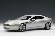 Auto Art Aston Martin Rapide silber 1/18